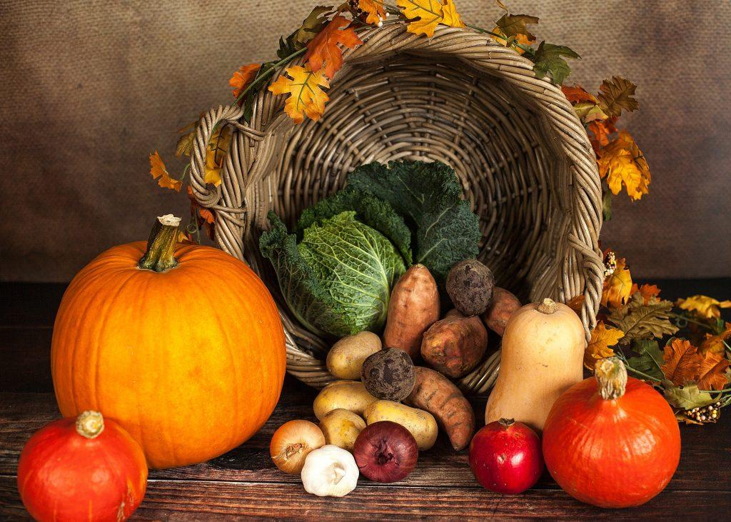 Imagem de de verduras e Alimentos ricos em Carboidratos de alta qualidade, ideais para comer a noite